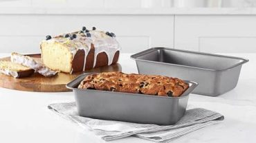 AmazonBasics Nonstick Loaf Pan